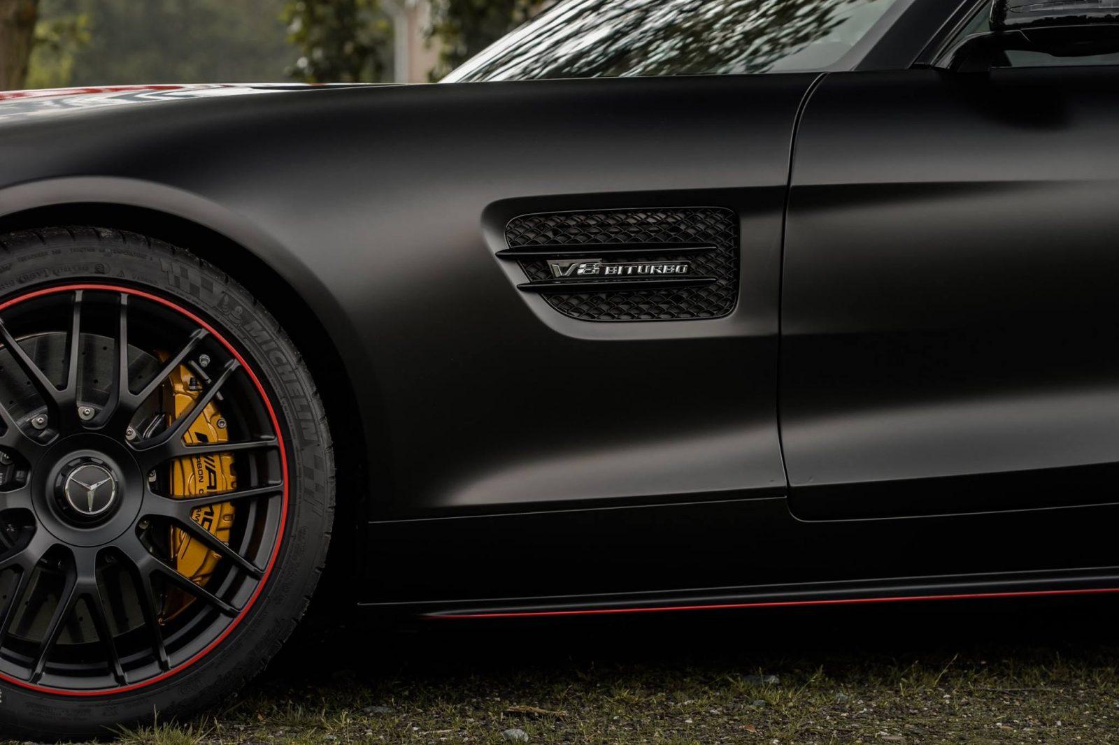 Black-Mercedes-AMG-GT-S-2