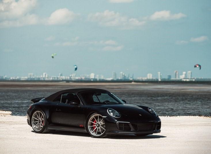 Porsche 911 Carrera GTS на дисках Vossen M-X2 (1)