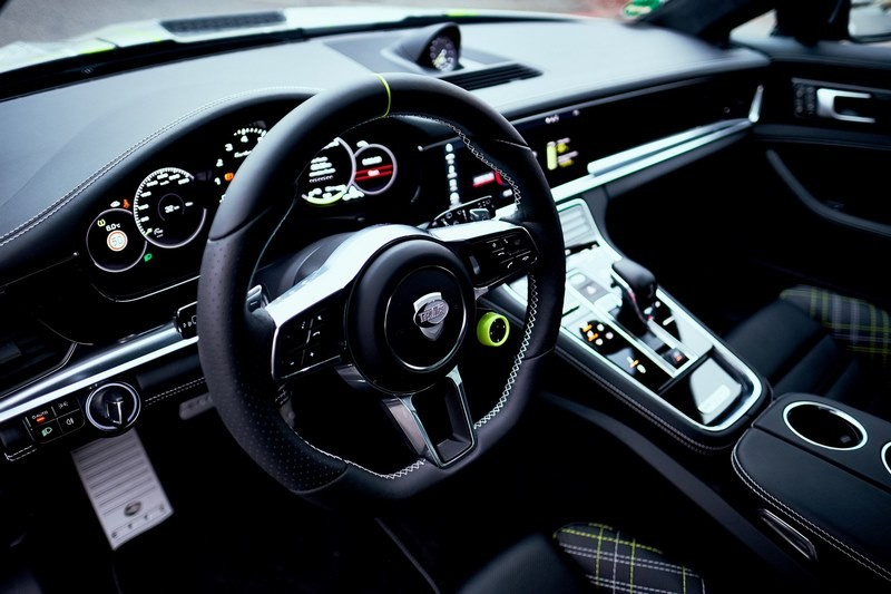 porsche-panamera-turbo-s-e-hybrid-techart (8)