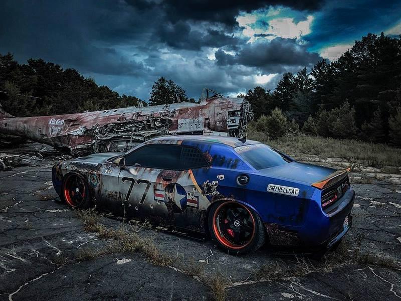 Dodge-Challenger-SRT-Hellcat-MetroWrapz (1)