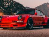 Тюнинг-ателье RWB обновили Porsche 911 1988 года.