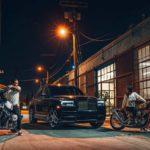 Rolls-Royce Cullinan в американском городе Los-Angeles с кастом мотоциклами